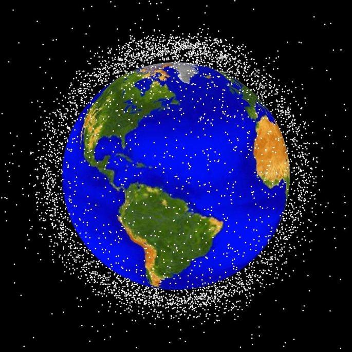 contaminacion espacial el exceso de satelites artificiales que orbitan la tierra