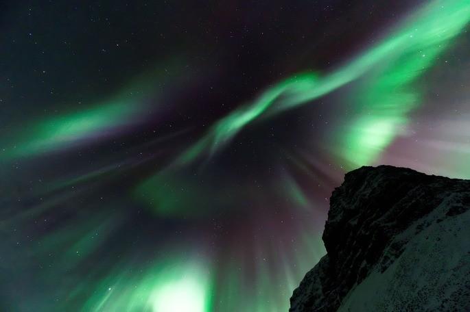 Aurora borealis gases y plasma ejemplo