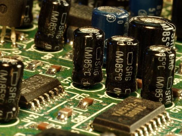 capacitor energía potencial eléctrica