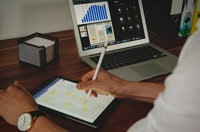 imagen referencial de una computadora portátil