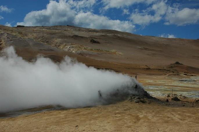 geyser en Islandia fuente de energia geotermica