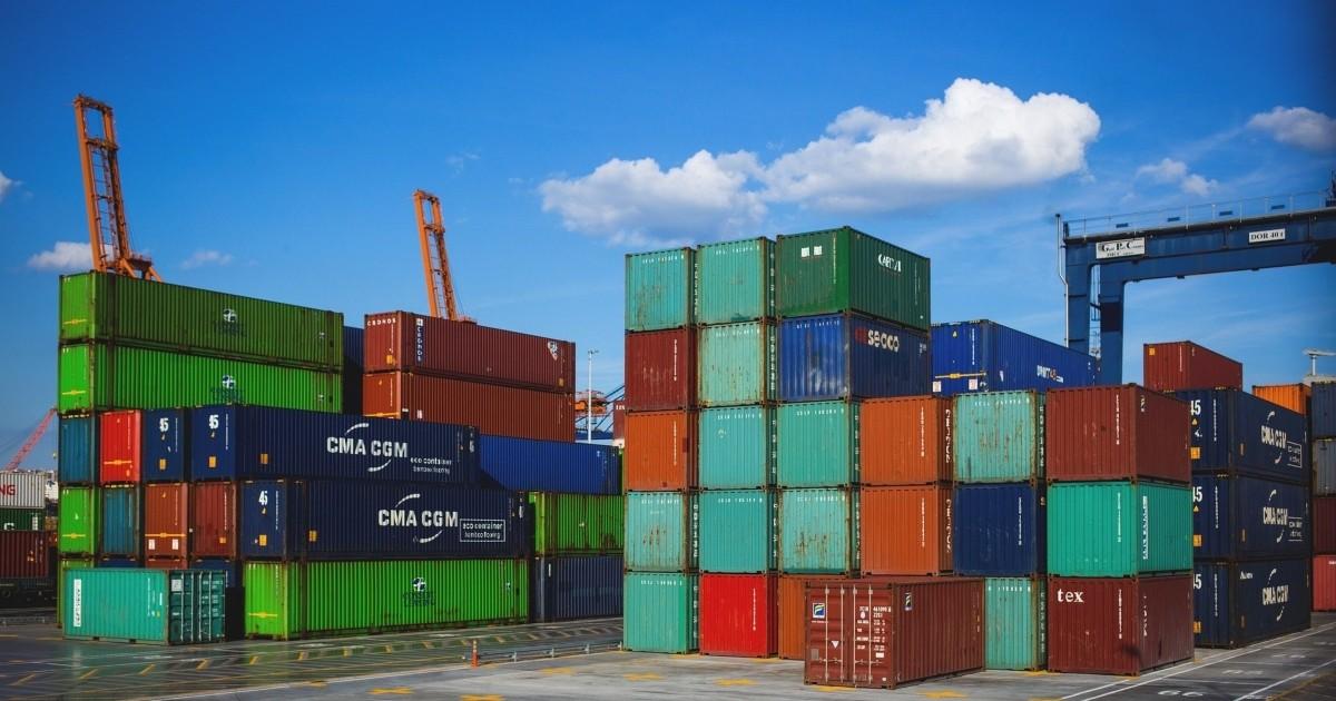 Diferencia entre importación y exportación - Diferenciador
