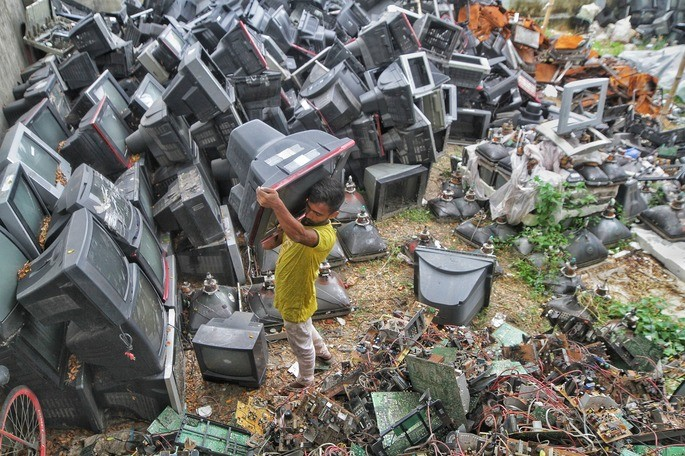 el desperdicio electronico como parte de la contaminacion del suelo