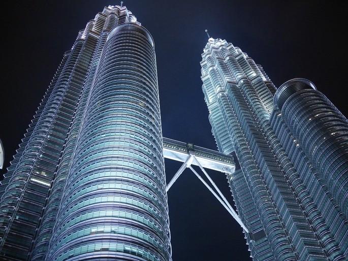 Torres Petronas Kuala Lumpur estática ramas de la física