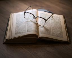 Referencia y bibliografía