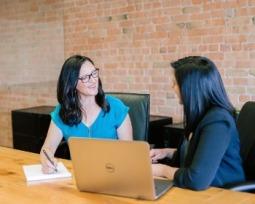 21 tipos de entrevista: laborales, periodísticas, psicológicas y clínicas